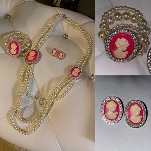 Pearl necklace set 💝